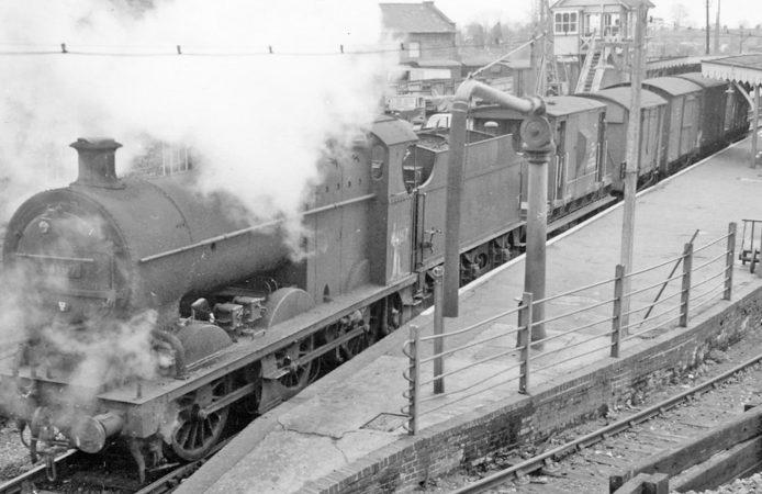 Blandford Forum railway train station platform